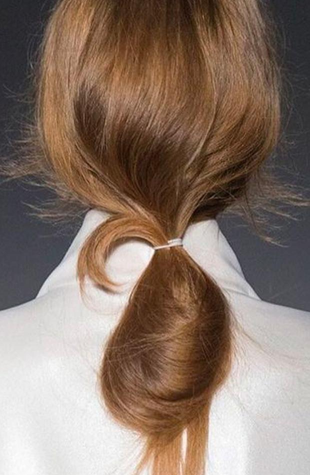 peinados fáciles para casa Coleta con vuelta