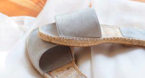 Por su comodidad, frescura y diseño, las alpargatas planas son el calzado perfecto para estos meses