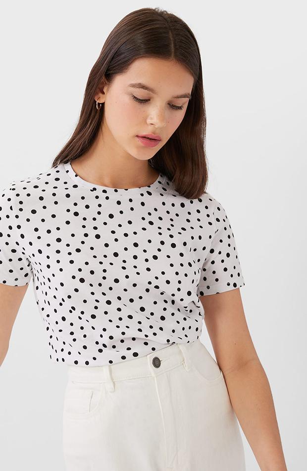 camiseta basica lunares stradivarius prendas cómodas