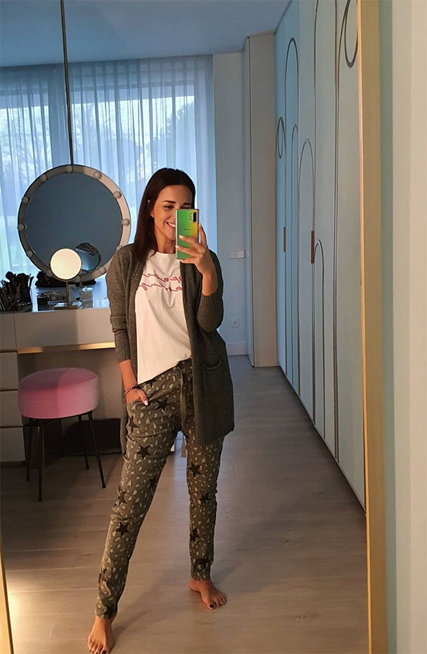 looks de paula echevarría frente al espejo pijama