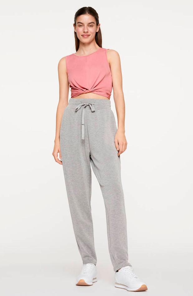 pantalon jogger gris tacto suave oysho prendas cómodas