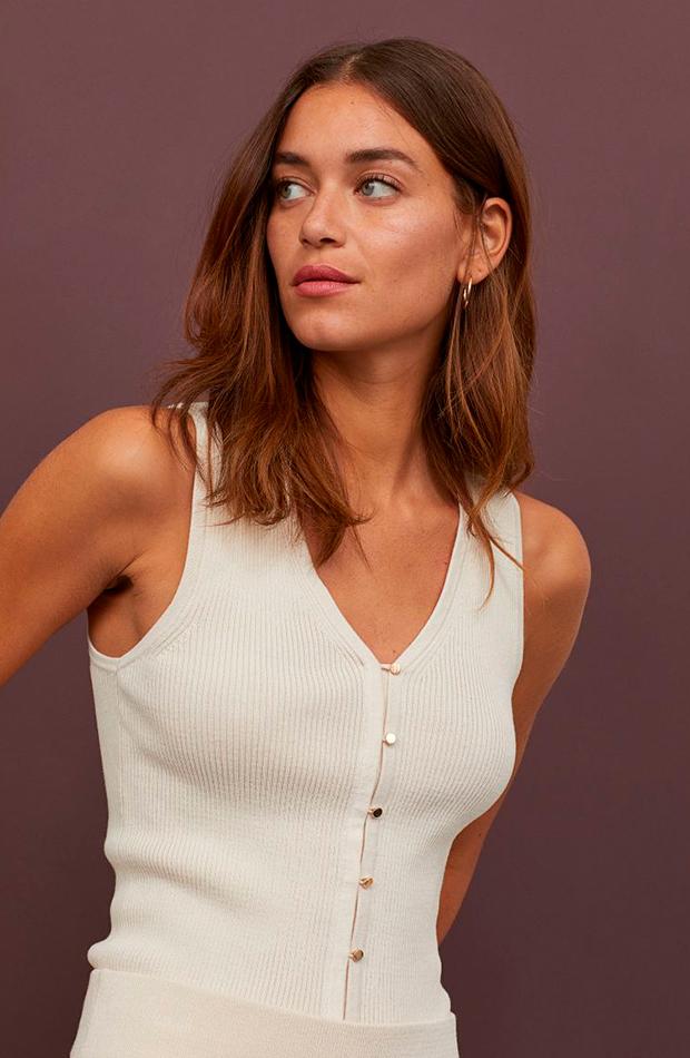 tops de punto de canalé de H&M con botones en color beige