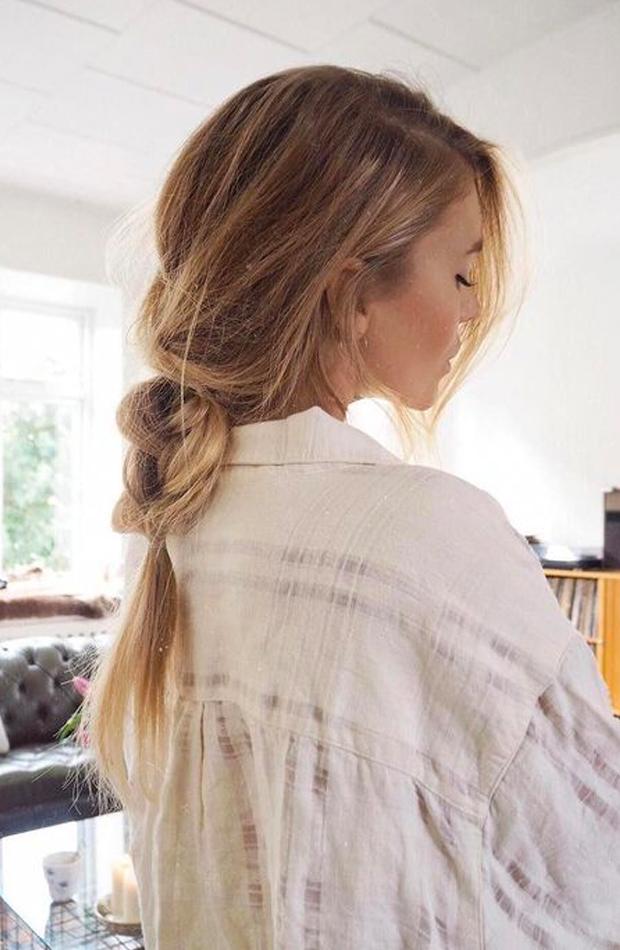 Trenza desenfadada peinados fáciles para casa