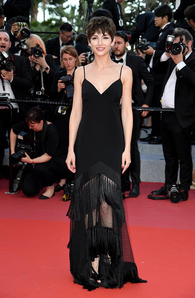 Úrsula Corberó estilo mejores looks vestido largo negro Diane von Fürstenberg