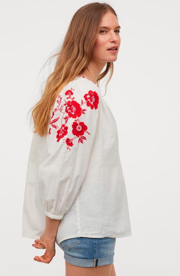 Camisa con bordados de H&M