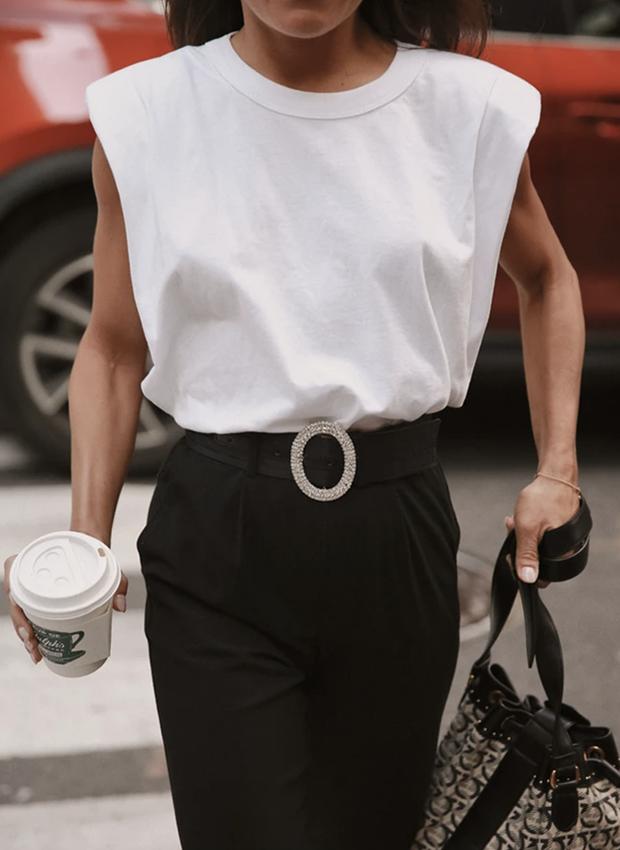 Camiseta con hombreras blanca
