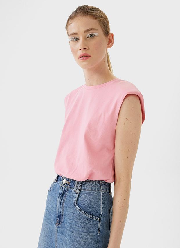 Camiseta con hombreras rosa
