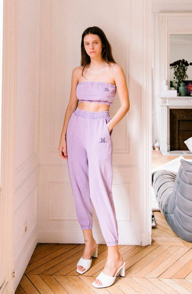 colores pastel Top y pantalón lila de Bershka