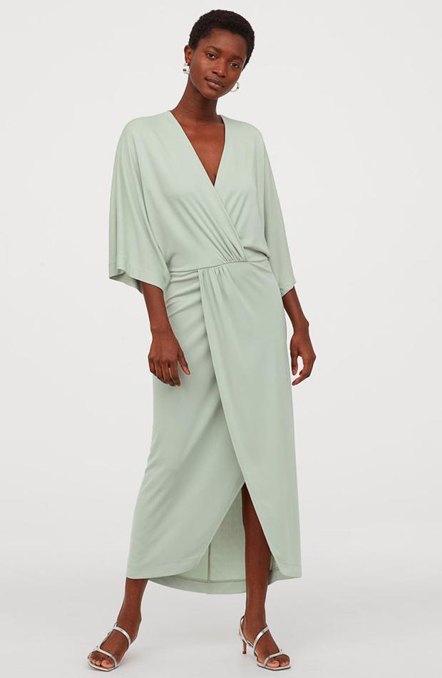 Vestido largo en color verde pastel de H&M