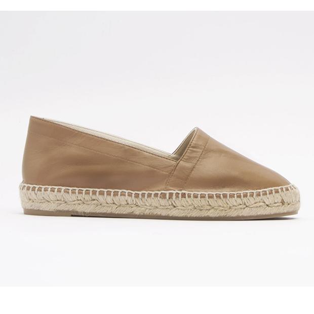 zapatos tendencia verano 2020: Alpargatas planas