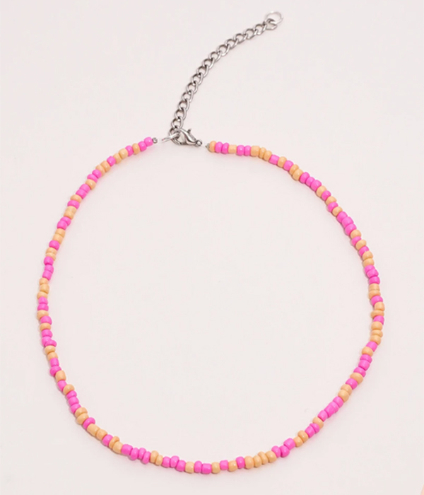 collares de bolitas de colores en tonos rosas de Crush the Label