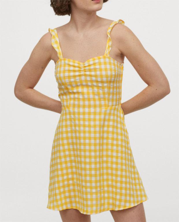 Vestido amarillo de H&M con estampado de cuadros vichy