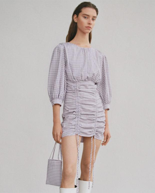 Vestido corto de Zara con estampado de cuadros vichy