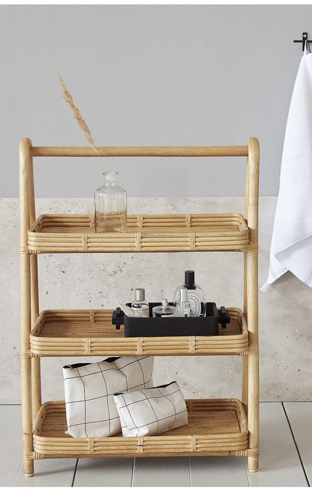 simplifica tu hogar estanteria de mimbre