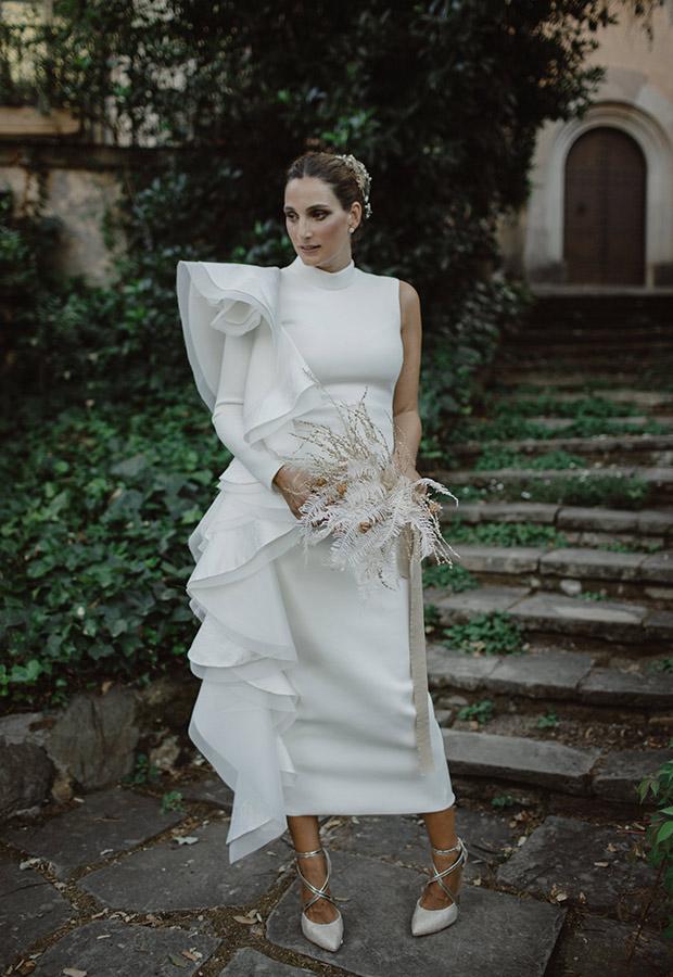Confesiones de una boda con vestido de novia con volantes