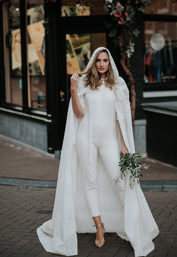 Confesiones de una boda con look de novia con pantalón