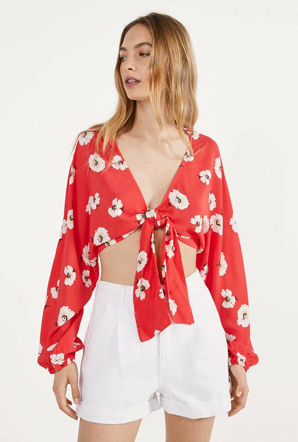 Prendas en rojo: Blusa con nudo de Berhska