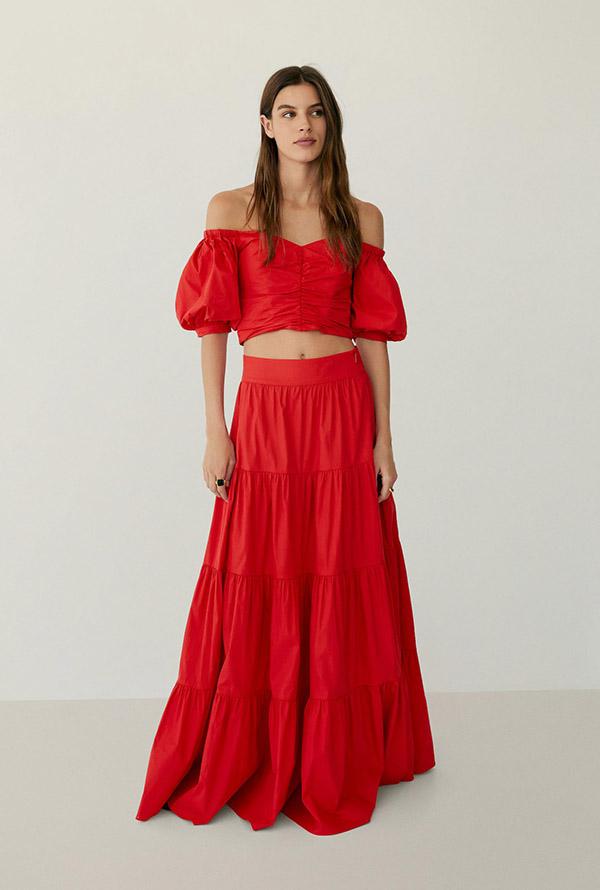 Falda larga en rojo de Mango
