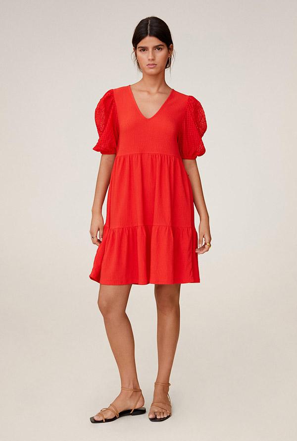 Vestido de manga corta en rojo de Mango