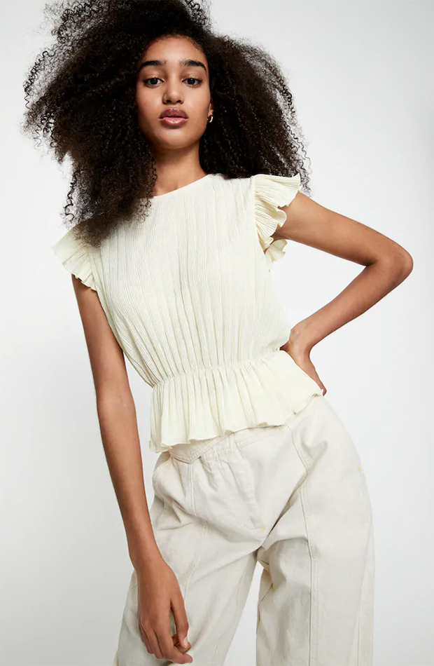 rebajas de pull & bear blusa blanca plisada
