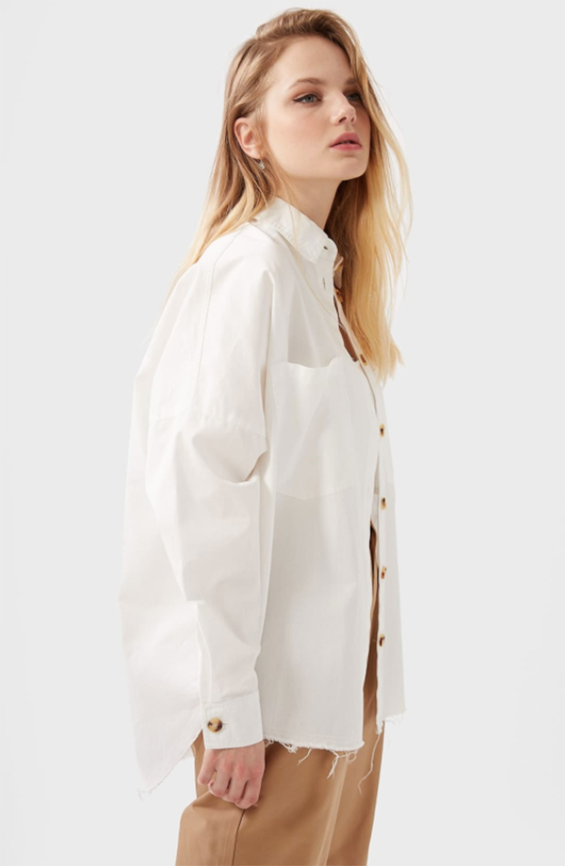 prendas de inditex Camisa blanca oversize de Stradivarius