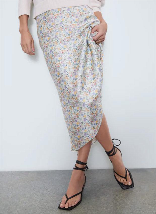 Falda de flores de las Rebajas Zara Verano 2020