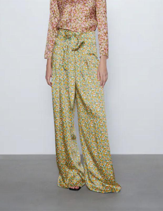 Pantalones de flores de las Rebajas Zara Verano 2020