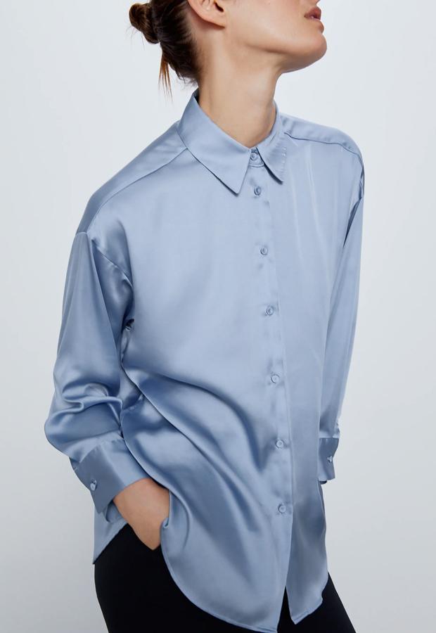 Camisa oversize de Zara prendas satinadas