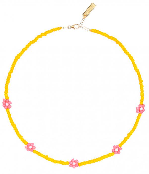 collares de bolitas de colores con flores de Eleonor de Casanovas