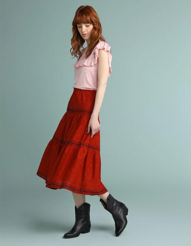 Falda tendencia midi roja