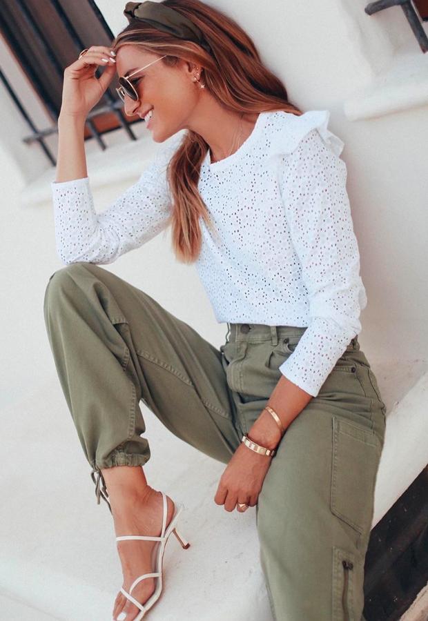 pantalón militar con top de encaje Looks de Bartabac verano
