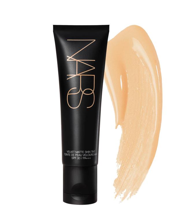 maquillaje oil free Velvet Matte Skin Tint SPF 30
