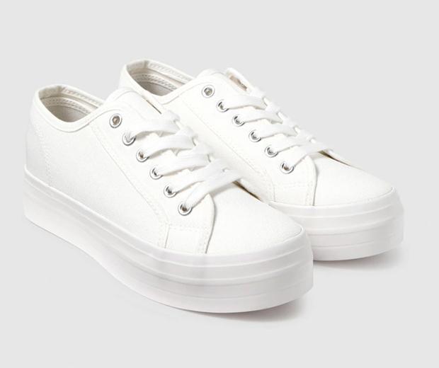 Prendas blancas: Zapatillas de lona
