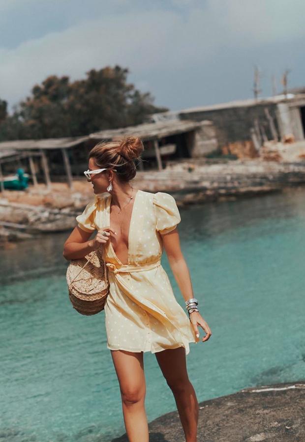 vestido amarillo con escote Looks de Bartabac verano