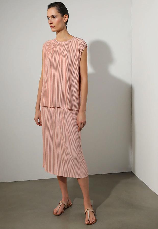rosa es tendencia Camiseta plisada en color rosa Woman Limited El Corte Inglés