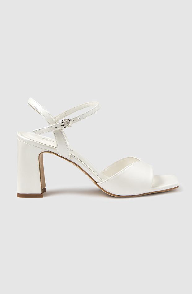 zapatos de tacón de verano Sandalias blancas de Gloria Ortiz