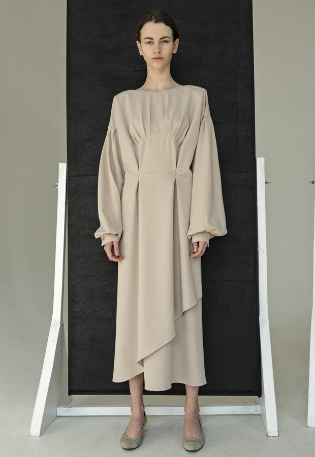prendas con hombreras Caramel Open Back dress de KM by Lange