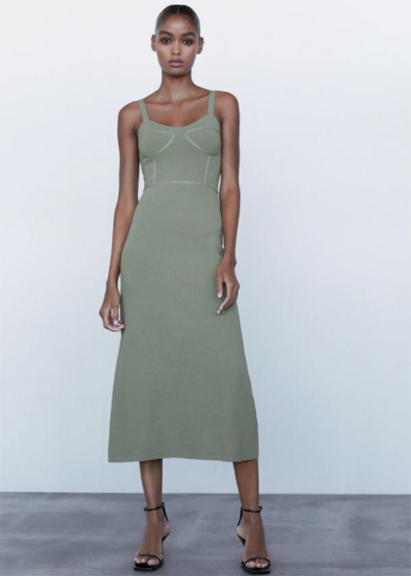 Vestido de punto en color verde de Zara
