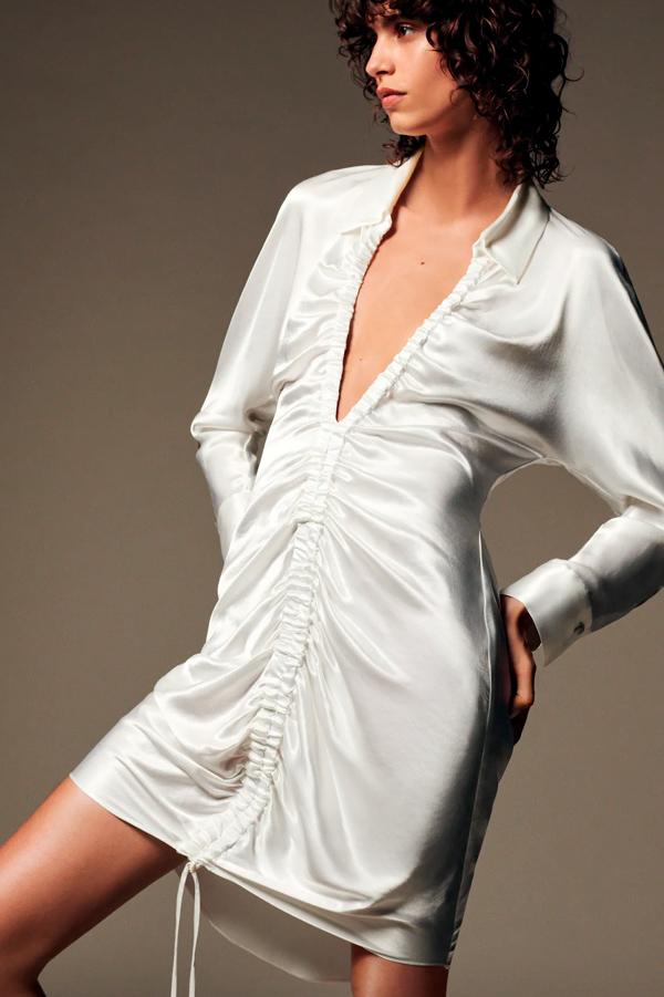 Vestido de Zara satinado con frunce