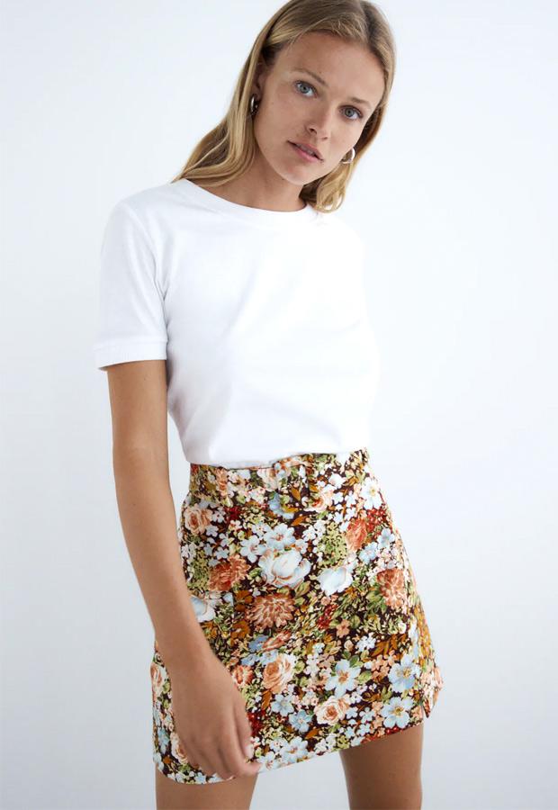 Minifalda de Zara de terciopelo estampada