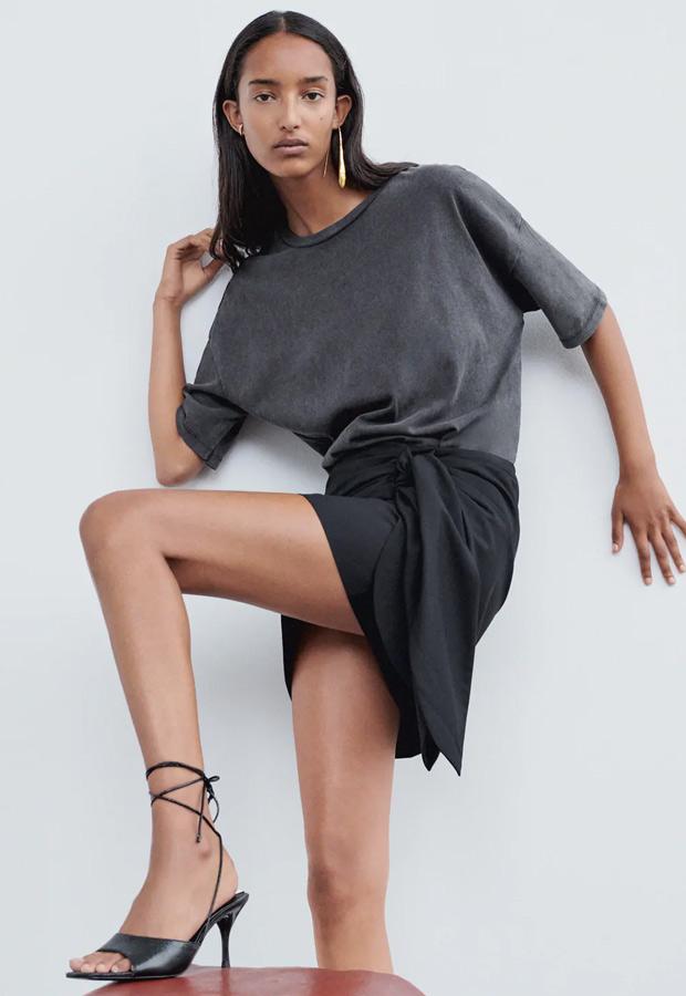 Minifalda de Zara negra con lazo