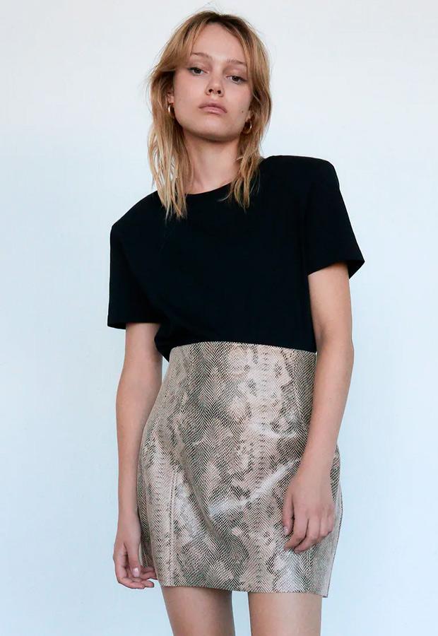 Minifalda de Zara de estampado de serpiente