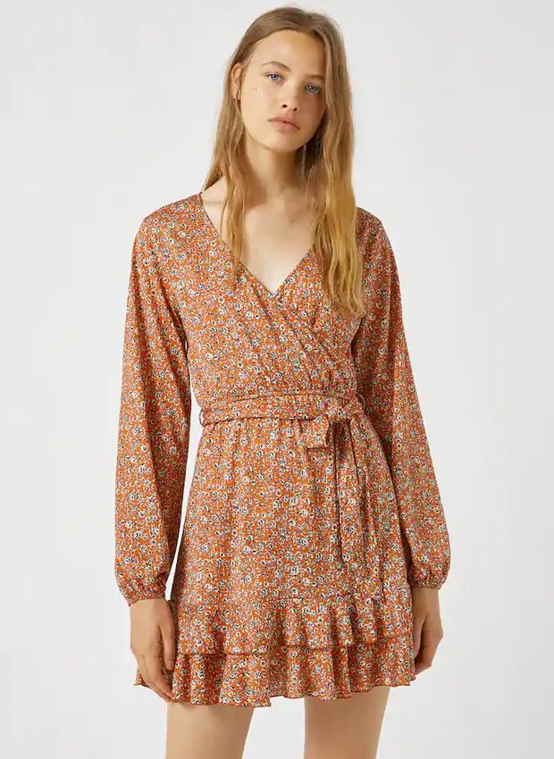 Vestido de flores de las novedades Pull&Bear otoño 2020