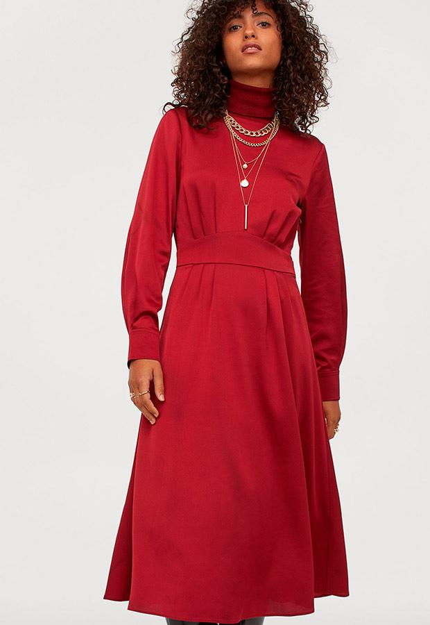 Vestido satinado de H&M en rojo