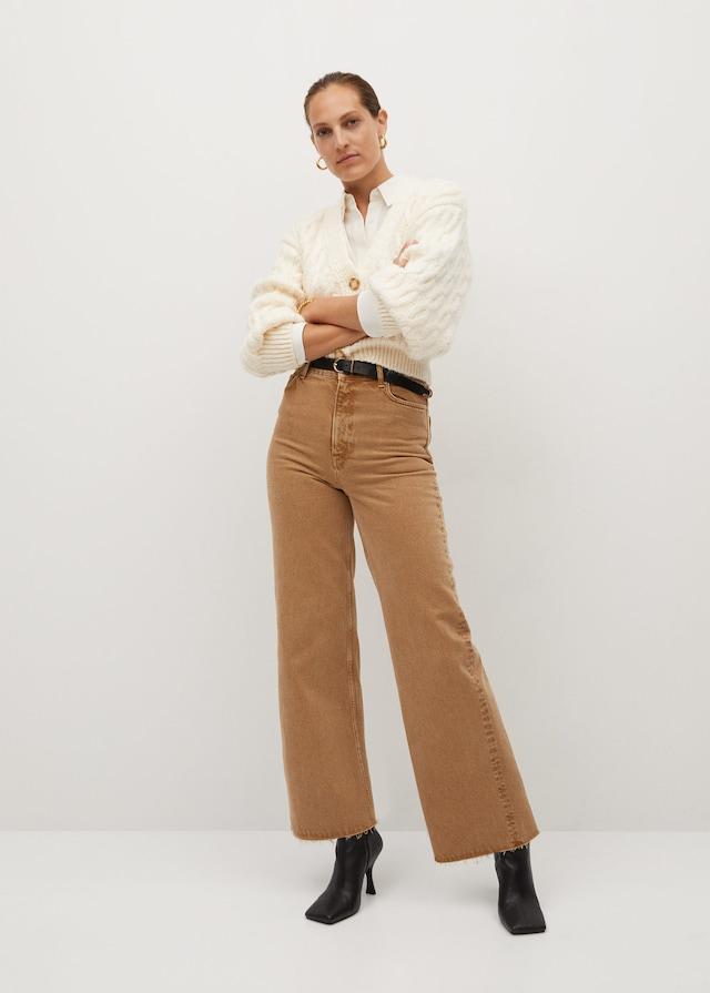 Pantalones wideleg en beige del Black Friday de Mango