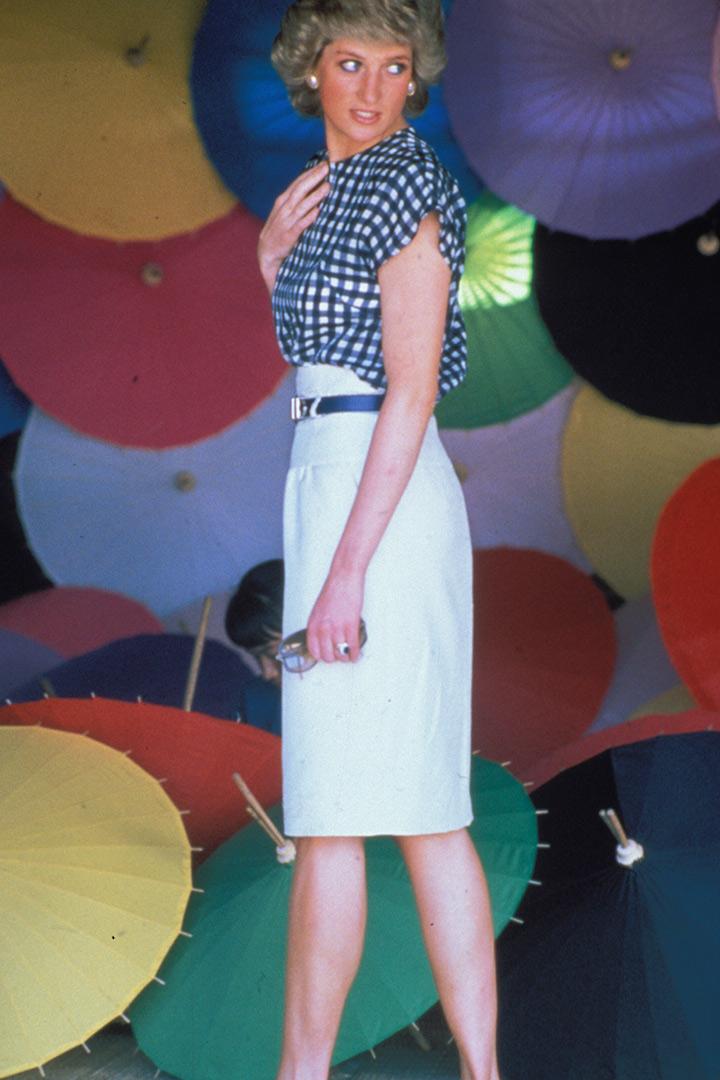 Diana de Gales con camisa de cuadros vichy