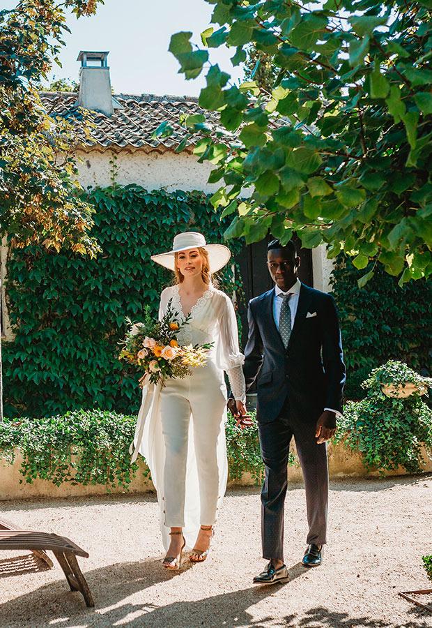 Novias en una boda íntima
