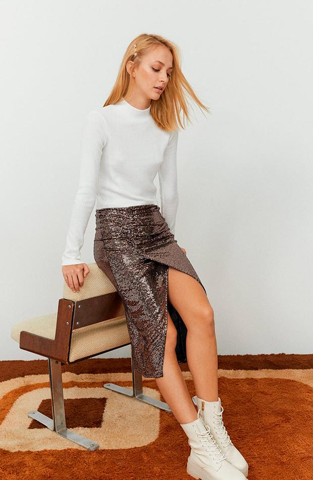 falda de lentejuelas stradivariusprendas y accesorios que no faltan en el armario de una it girl
