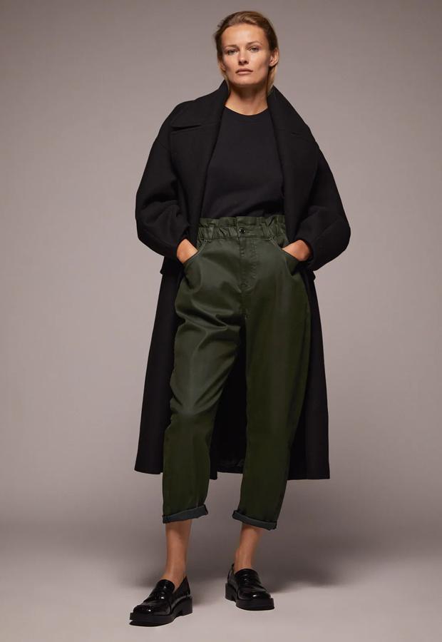 Pantalón baggy verde de los Special Prices de Zara