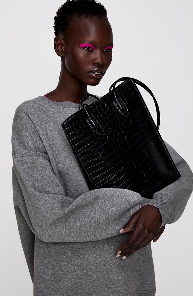 black friday zara Bolso shopper negro textura
